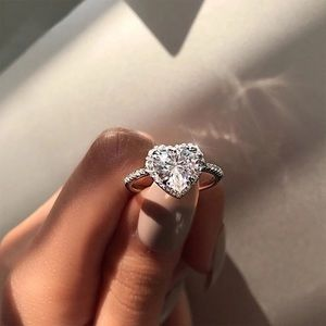 NWT dainty platinum CZ heart pave solitaire ring